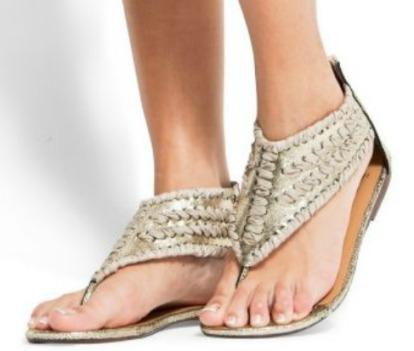 wear flat sandals