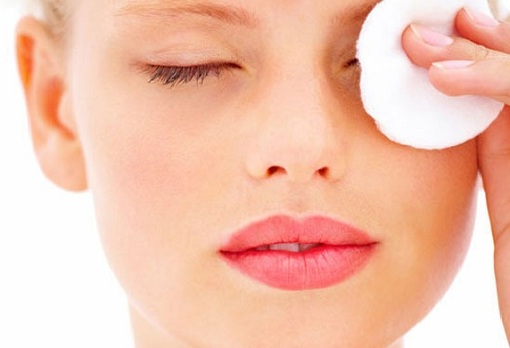 using makeup remover properly